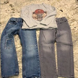 Boys long sleeve t-shirt and 2 pairs of jeans sz 6
